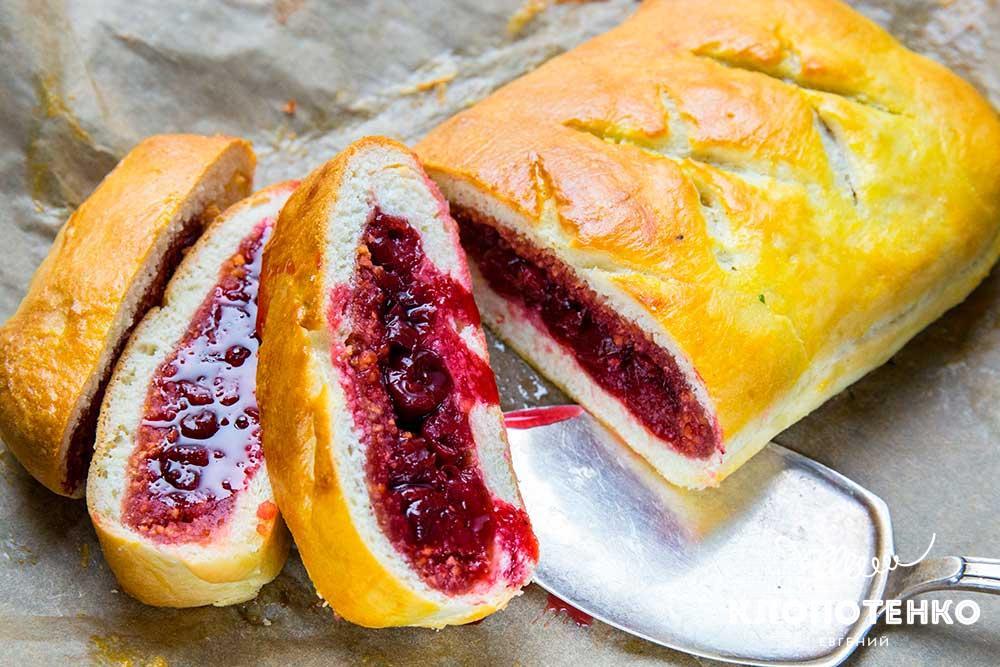 Простий рецепт пирога з вишнею