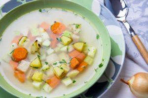 Легкий суп из запеченных овощей