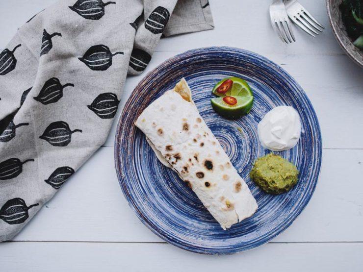 Мексиканский Буррито с Сальсой Гуакамоле