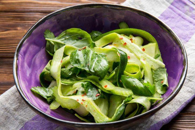 салат с цукини и кабачком