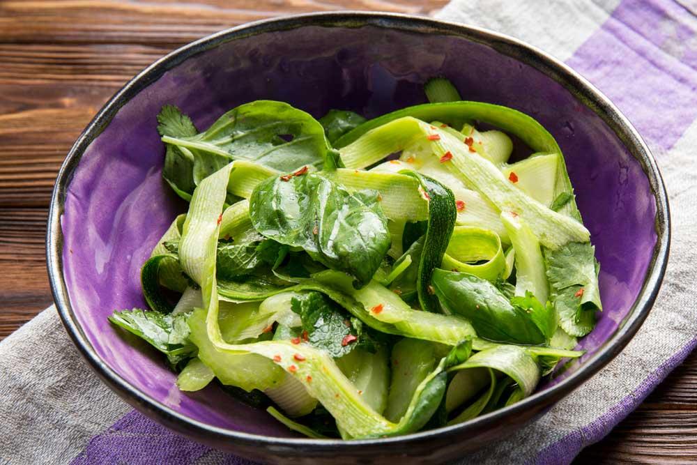 Салат з цукіні і кабачком