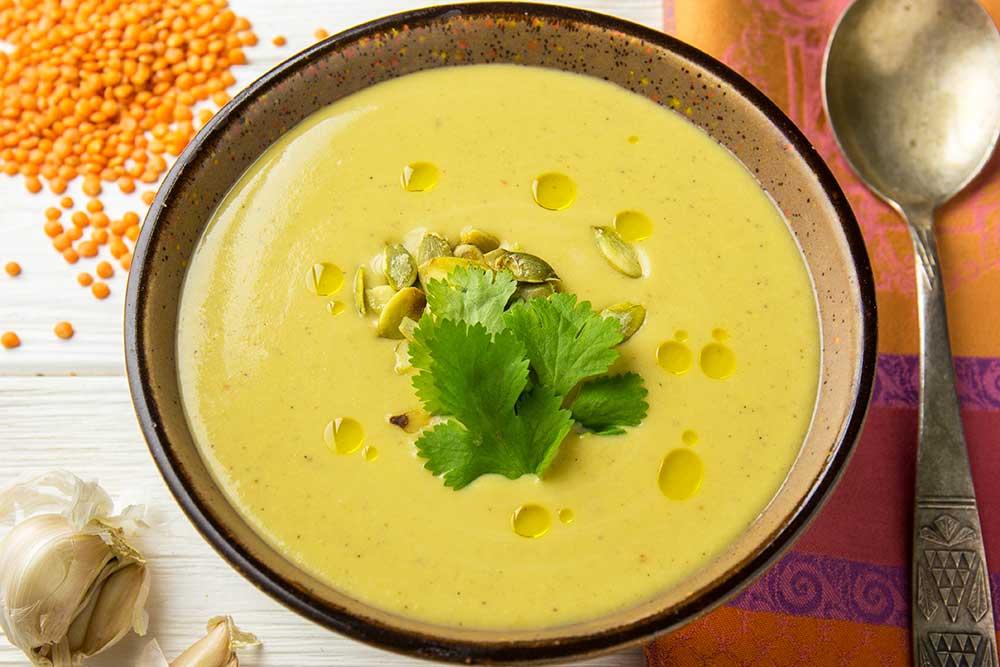 Чечевичный суп с кинзой