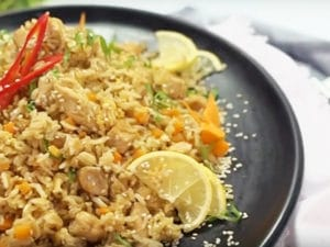 Жареный рис с яйцом (видео)