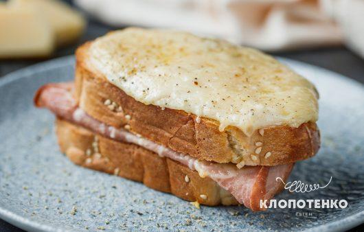 Максимально простий сніданок. Рецепт французького сендвіча крок-месьє