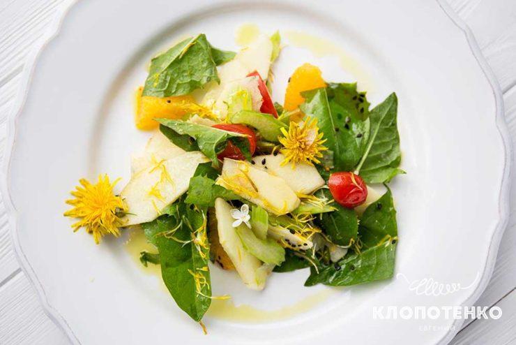 Салат з кульбаб