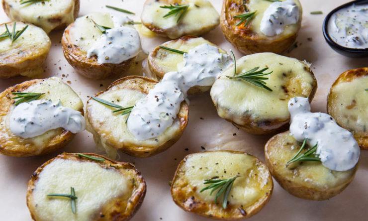 Картопля з розмарином і моцарелою