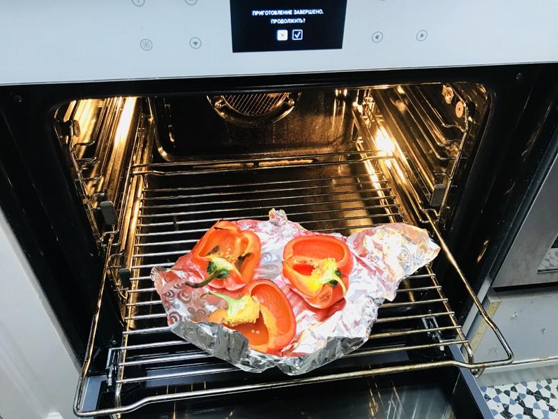 запекаем перец в духовке