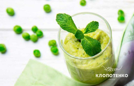 Закуска из йогурта, картофеля и зеленого горошка