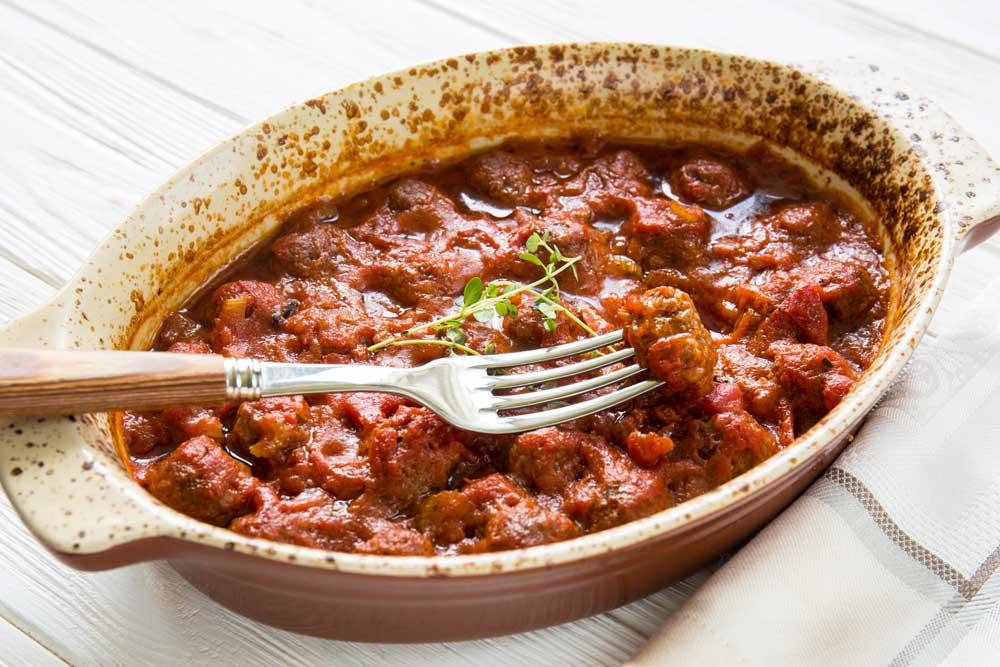 Митболы в томатном соусе с сельдереем