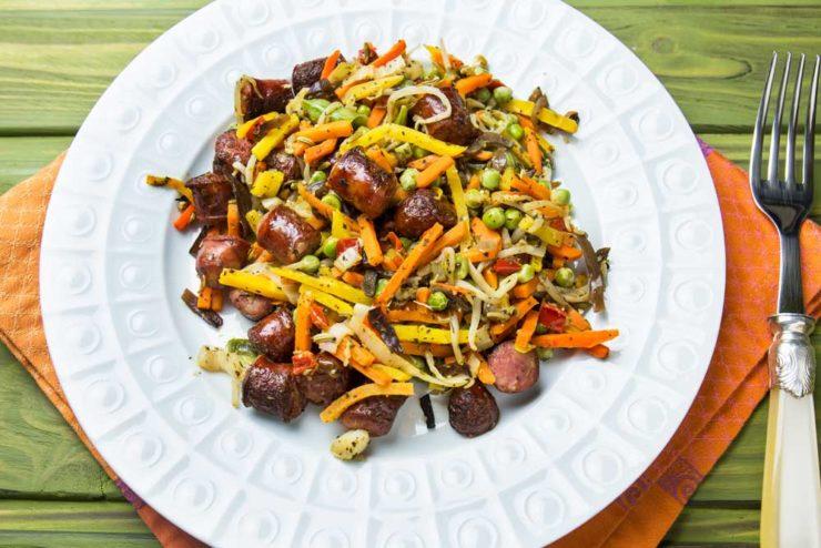 Овочі з ковбасками