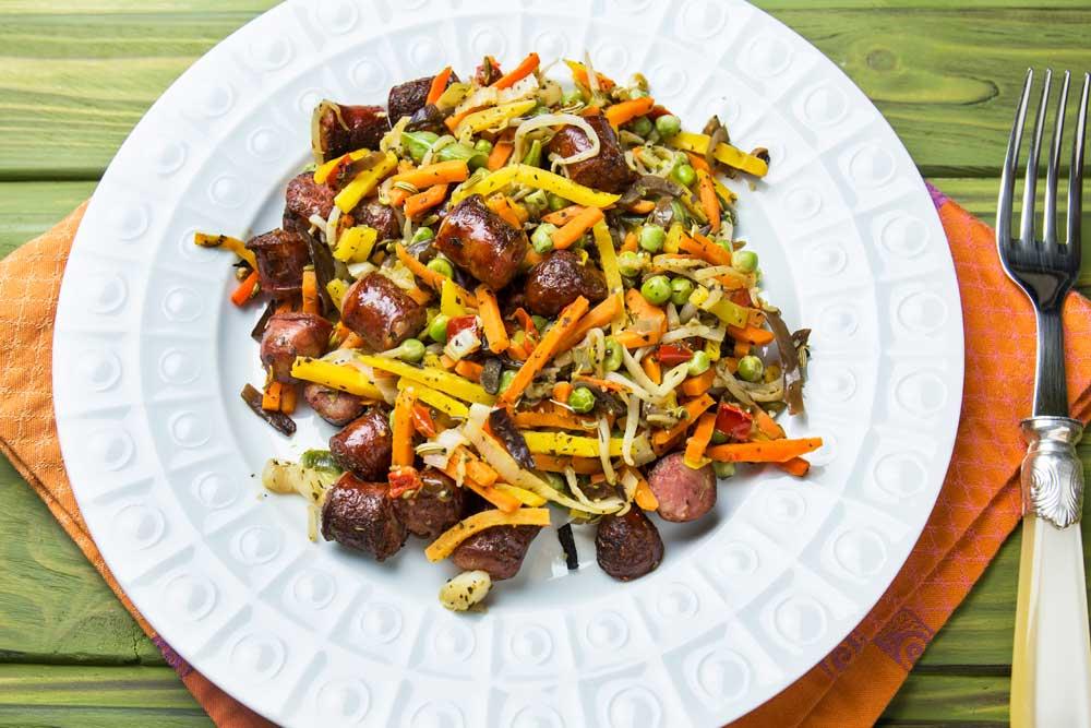 Овощи с колбасками