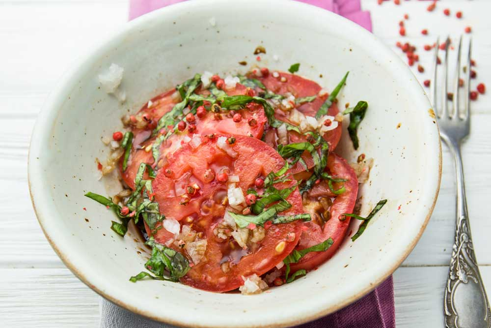 Салат з томатів з рожевим перцем