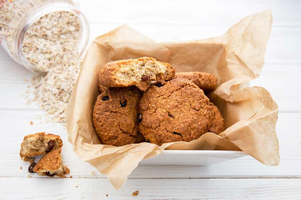 Овсяное печенье с изюмом: домашний рецепт