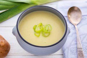 Крем-суп з цибулею порей Вішісуаз