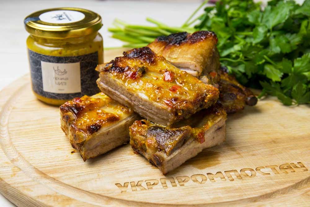 Свиные ребра в медово-чесночном соусе