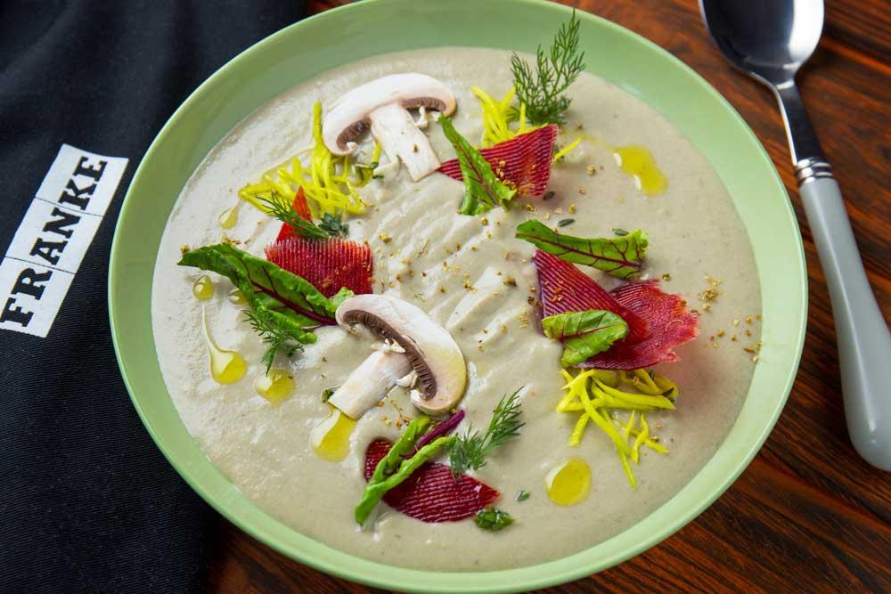 Крем-суп з печериць із цибулею-пореєм
