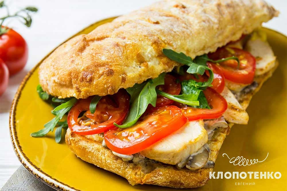 Сандвіч з куркою і грибами