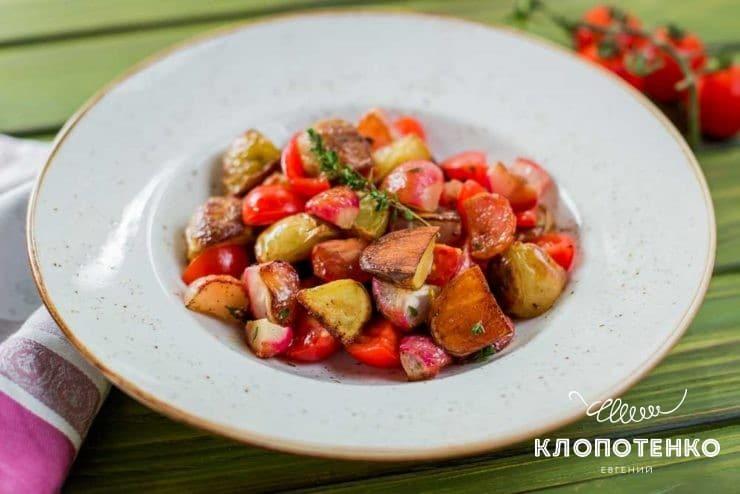 Салат с запеченным редисом