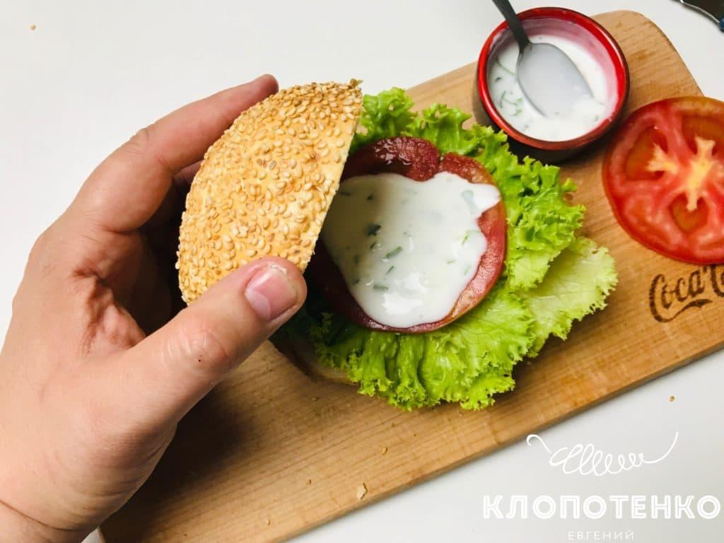 Бургер с куриным шницелем