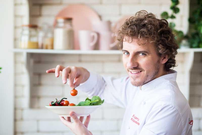 кулинарный эксперт Евгений Клопотенко