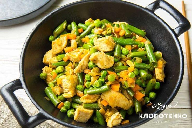 Курка з овочами