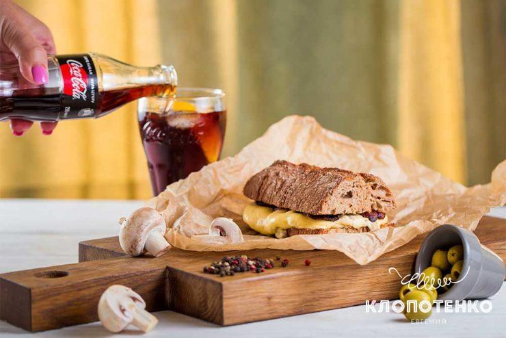 Сандвіч з грибами і беконом