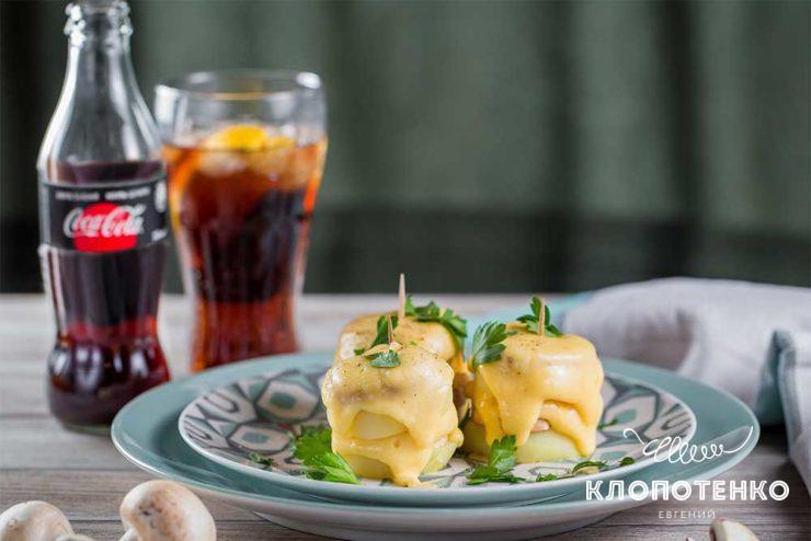 Закуска з картоплі з грибами і сиром