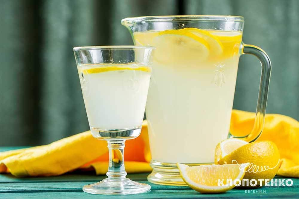 Лимонад із селерою та імбиром
