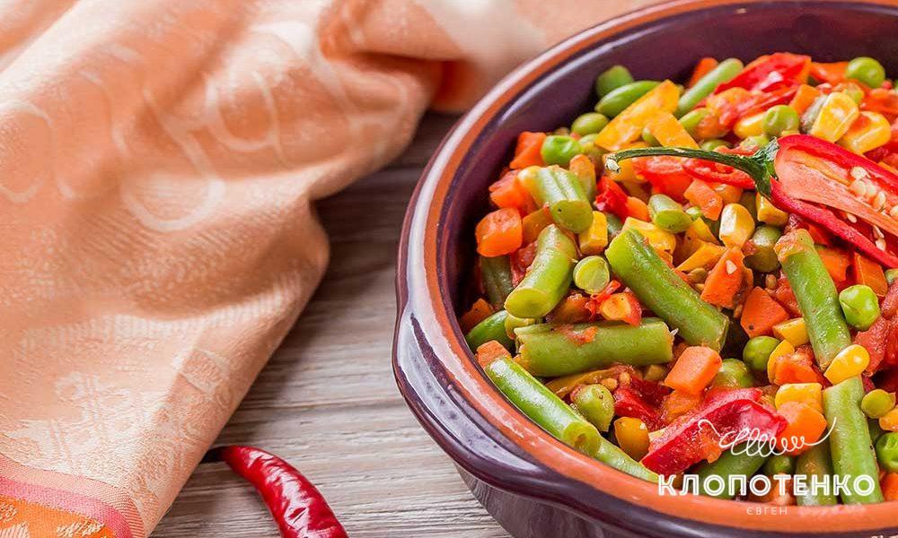 Овочеве соте з мексиканською сумішшю і томатами
