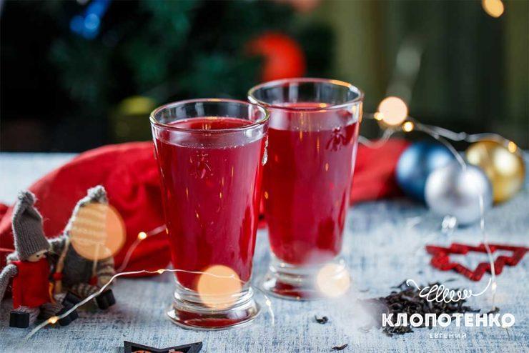 Холодний чай з ягодами