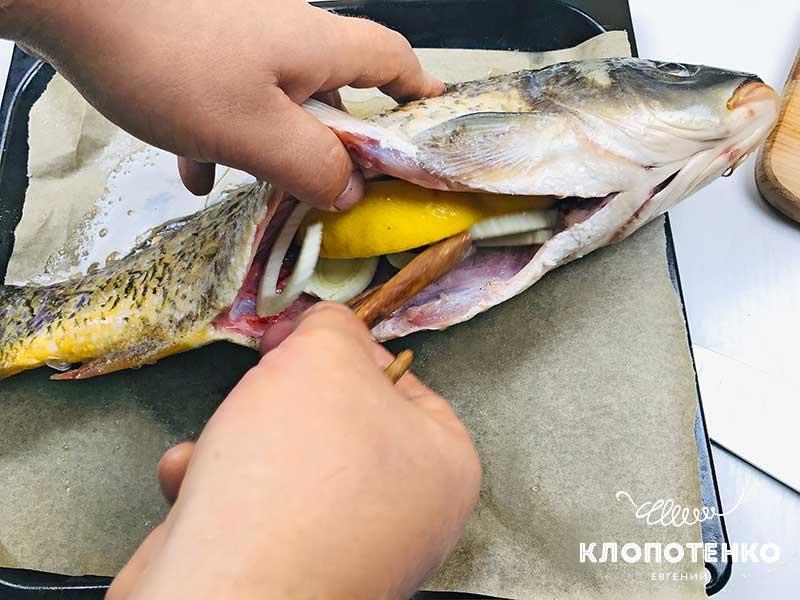 Начините рыбу фенхелем и лимоном