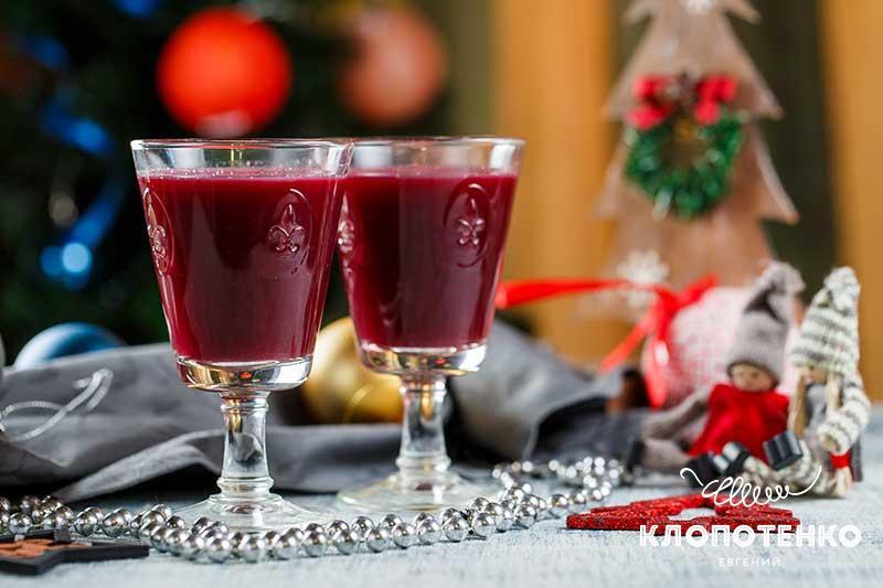коктейль с вином и ягодами. Новогоднее меню для вегетарианцев.
