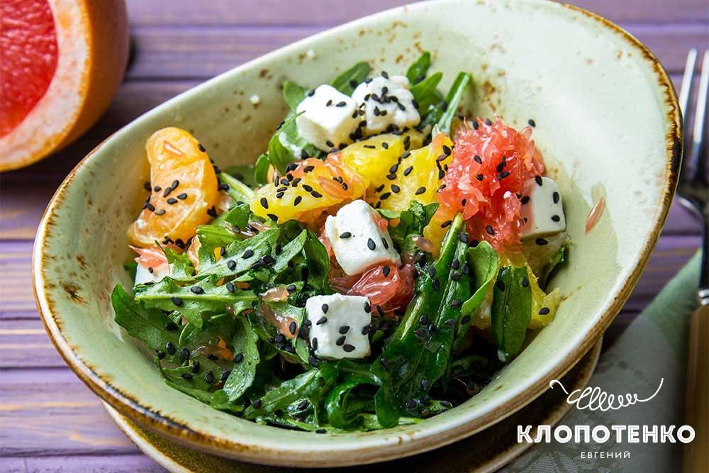 Салат с мандаринами и фетой
