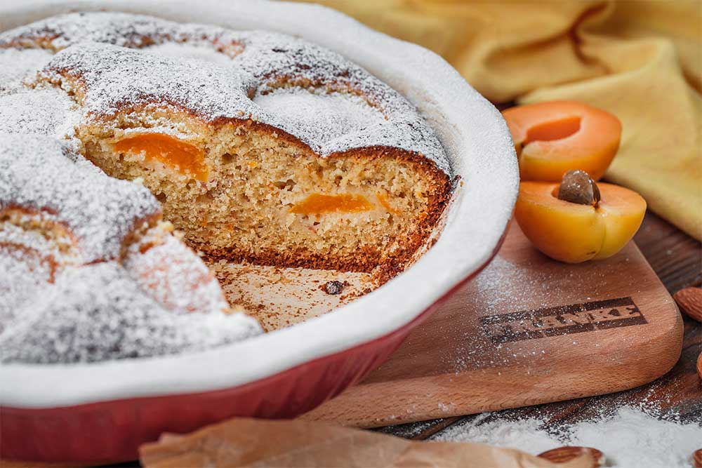 Кукурудзяний пиріг з абрикосами