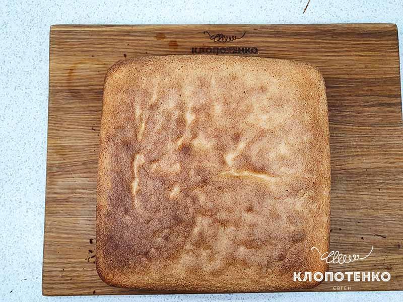 Выпекайте бисквит в духовке