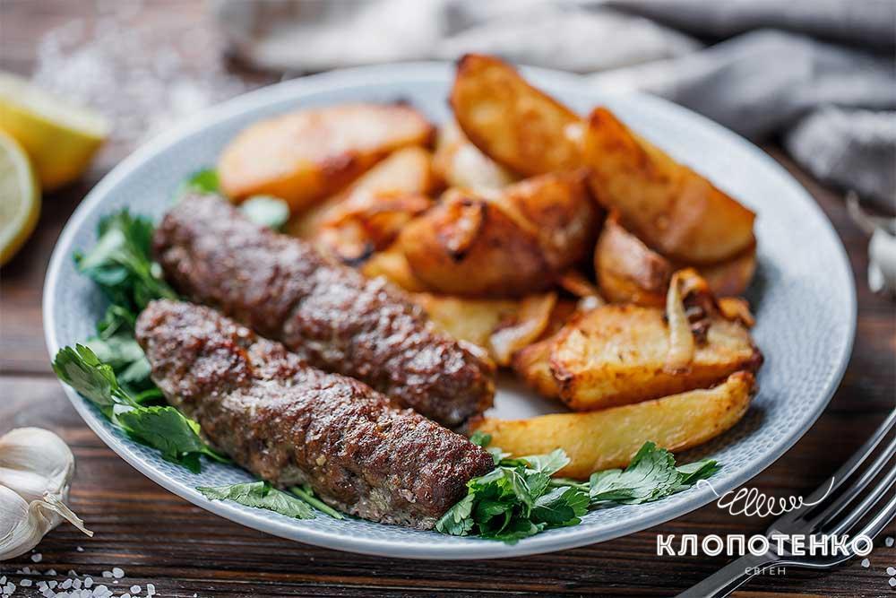 Кебаб в духовці з картоплею