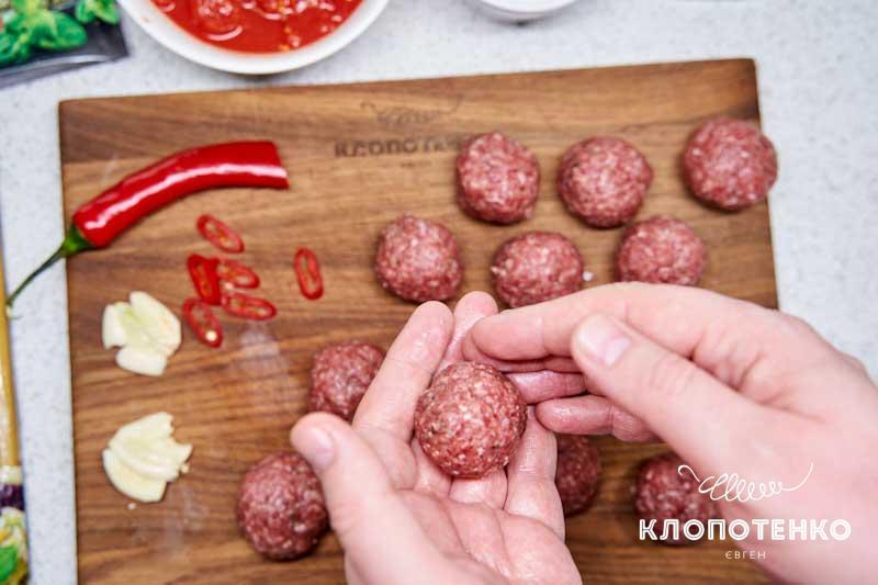 Сформируйте 12-15 шариков