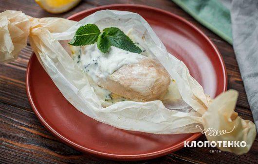 Простой и полезный ужин: как запечь куриное филе в конверте