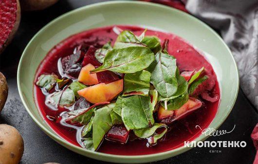 Зелений борщ може бути червоним: рецепт літнього борщу з квасом