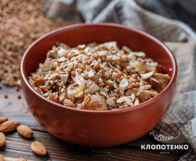 Рецепт гречки з печерицями та мигдалем