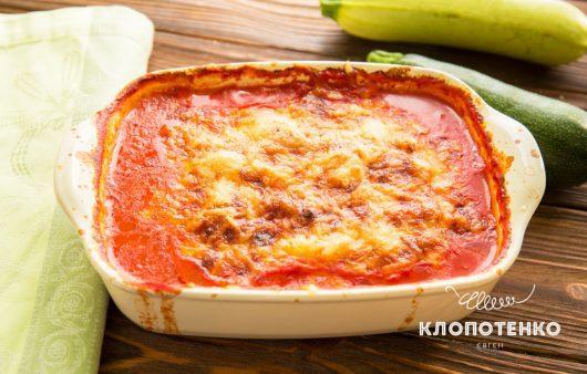 Ужин за 25 минут. Рецепт запеканки из кабачков с томатным соком