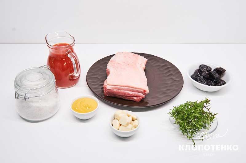 Подготовьте ингредиенты для свиных ребрышек