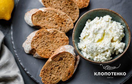 Сыр фета, оливковое масло и сок лимона – самая простая закуска за 1 минуту