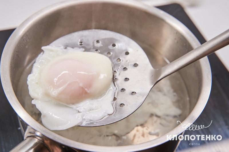 турецкое яйцо-пашот