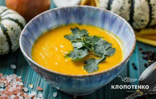 Карри и кокосовое молоко. Как приготовить идеальный крем-суп из тыквы