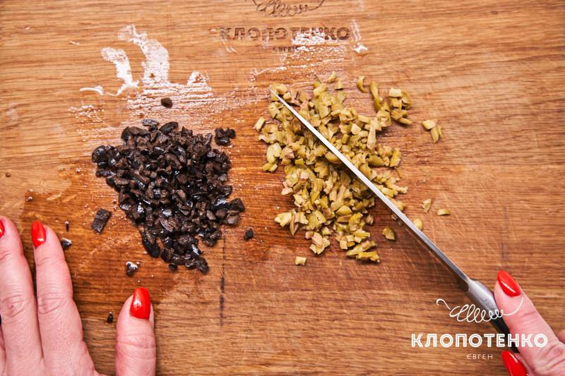 масло с оливками и маслинами